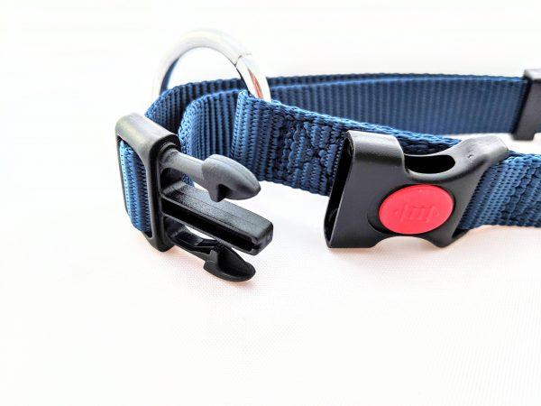 navy blue dog collar clip